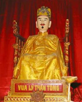 tim-hieu-ong-vua-cam-con-gai-quan-lai-lay-chong-truoc-khi-sung-vao-hau-cung