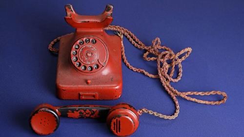 Chiếc điện thoại đỏ của Hitler được xem là một vũ khí hủy diệt hàng loạt