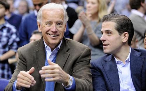 Anh em nhà Biden cùng mẹ kế dự cuộc tranh luận ứng cử của ông Joe Biden năm 2012. Ảnh: AP