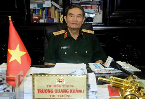 tong-thong-nga-tang-huan-chuong-huu-nghi-cho-thuong-tuong-truong-quang-khanh