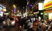 Lòng đường phố Tây thành nơi ăn nhậu, hút shisha