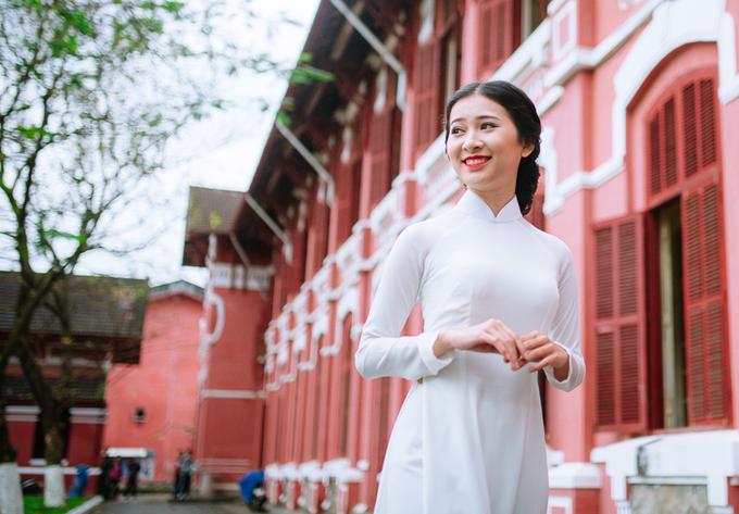 Hoa khôi của ngôi trường trăm tuổi xứ Huế