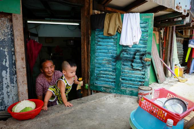 Nhiều nhà dân giữa Sài Gòn biến thành 'hầm' sau khi nâng đường