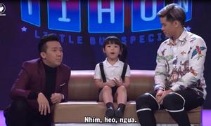 Màn trao đổi bằng tiếng Anh của bé 5 tuổi với giám khảo