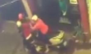Cô gái bị cướp khi đang ngồi trên xe máy nghe điện thoại