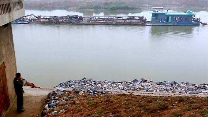 Đoạn sông bị 60 tàu hút cát mỗi ngày ở Bắc Ninh