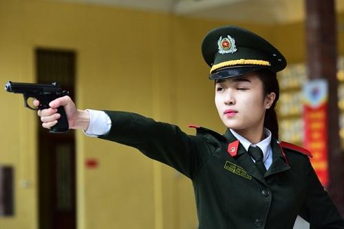 khong-han-che-thi-sinh-nu-dang-ky-so-tuyen-vao-truong-cong-an