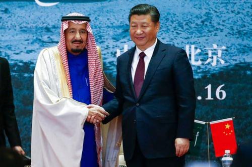 Vua Salman và Chủ tịch Trung Quốc Tập Cận Bình. Ảnh: Reuters