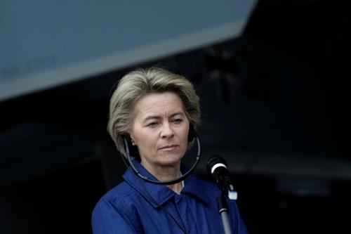 Bộ trưởng Ursula von der Leyen