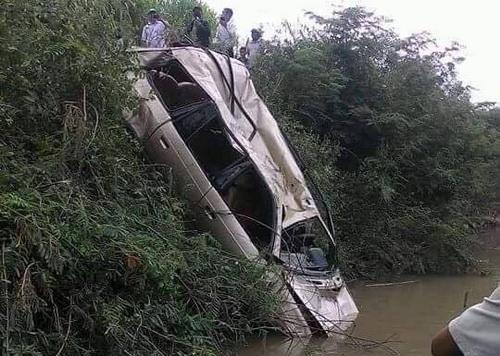 Nơi khúc sông phát hiện ôtô 7 chỗ. Ảnh: Quốc Thái