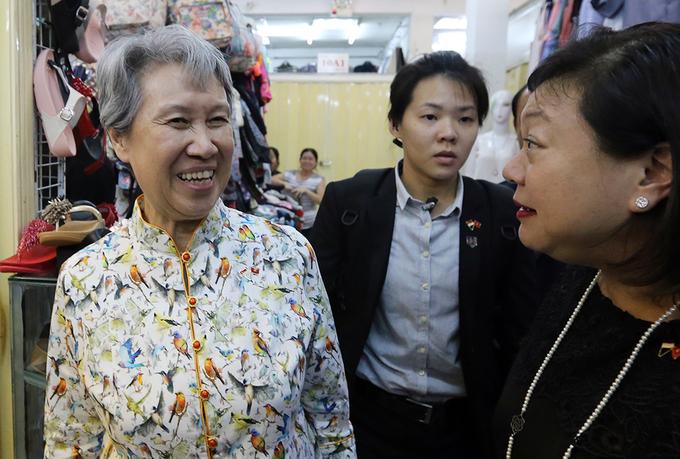 Phu nhân Thủ tướng Lý Hiển Long thăm khu mua sắm ở TP HCM