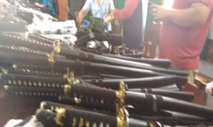 Chủ kho 'hàng nóng' ở Sài Gòn bị bắt