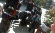 Bé gái lớp 9 van khóc vì bị bắt về làm vợ giữa phố Sapa
