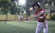 Bóng chày: Môn thể thao Mỹ thu hút giới trẻ Hà Nội