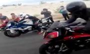 Biker đua môtô gặp nạn vì tông xe hơi