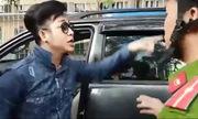 Quách Tuấn Du bán ôtô sau khi nộp phạt vì đậu sai trên vỉa hè