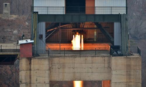 Triều Tiên thử động cơ tên lửa. Ảnh: CNN