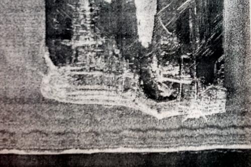 Hình ảnh tàu Hải Thành 26 dưới đáy biển sâu 30 m. Ảnh: Tàu Trần Đại Nghĩa chụp lại