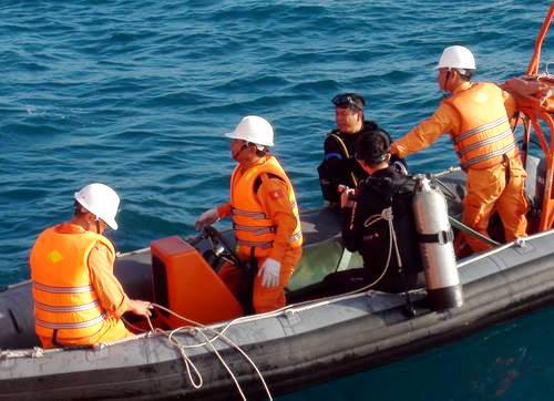 Sau 5 ngày tìm kiếm, lực lượng cứu hộ đã tìm thấy 9 thi thể thuyền viên. Ảnh: Phước Tuấn