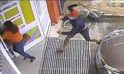 Video côn đồ cầm mã tấu truy sát phụ nữ xem nhiều tuần qua