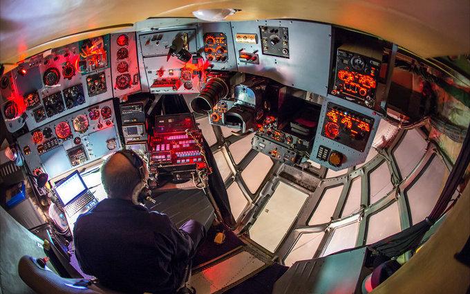 Bên trong căn cứ hậu cần di động của đội bay Hiệp sĩ Nga