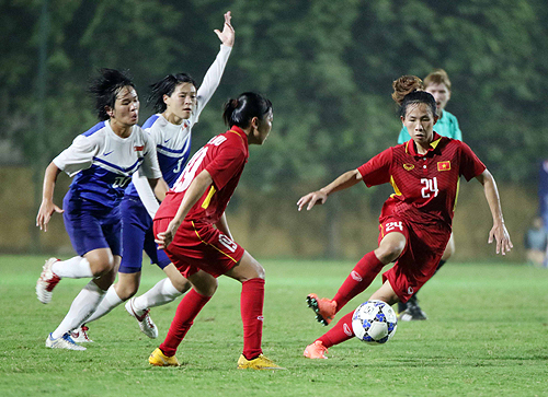 viet-nam-de-bep-singapore-8-0-o-vong-loai-giai-asian-cup-nu-2018-1