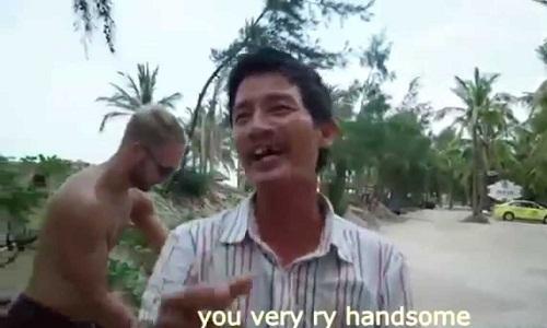 hang-ngan-nguoi-choang-vang-khi-nghe-hoai-linh-ban-tieng-anh-2