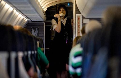 Một tiếp viên củaUnited Airlines. Ảnh:AFP