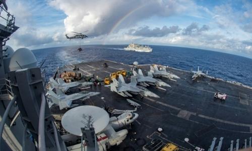 Một góc tàu sân bay Mỹ USS Carl Vinson. Ảnh: AFP