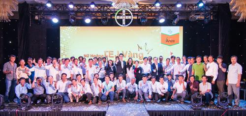 Bayer cam kết hỗ trợ người nông dân Việt Nam với các giải pháp sáng tạo trong trồng lúa.