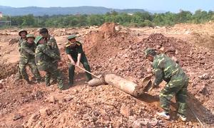 Bom 240kg nằm ở cửa khẩu Lao Bảo