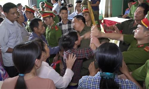 hon-loan-tai-buoi-toa-an-xin-loi-ong-han-duc-long