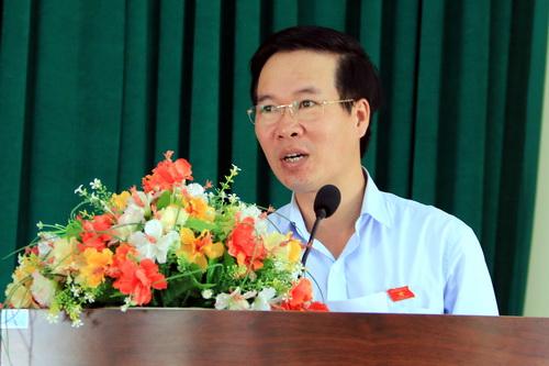 Ông Võ Văn Thưởng tại buổi tiếp xúc cử trị ở TP Biên Hòa sáng nay. Ảnh: Thái Hà