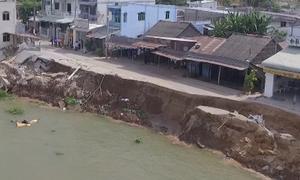Những người 'chờ' nhà sập bên bờ sông Vàm Nao
