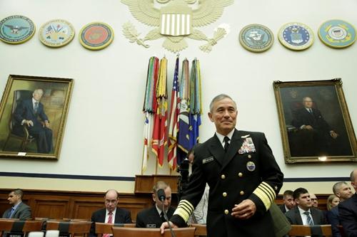 Đô đốc Harry Harris, chỉ huy Bộ tư lệnh Thái Bình Dương của Mỹ trong phiên điều trần hôm 26/4. Ảnh: Reuters