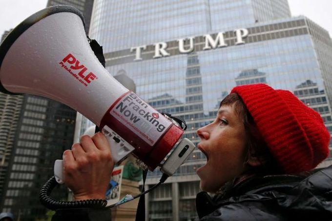 Biểu tình khắp nước Mỹ đúng 100 ngày Trump làm tổng thống