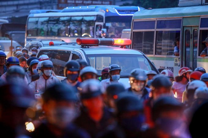 Người miền Tây ùn ùn trở lại Sài Gòn