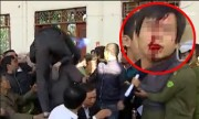 Video dân làng đánh nhau chảy máu đầu vì cây sưa 50 tỷ nóng trong ngày