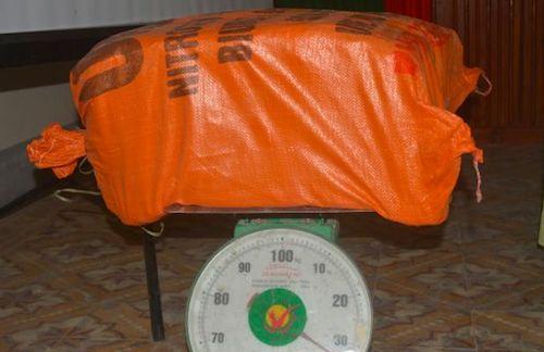 van-chuyen-34kg-thuoc-no-de-lay-tien-cong-nua-trieu-dong