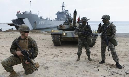 Lính Mỹ và Hàn Quốc trong một cuộc tập trận chung. Ảnh: Reuters.