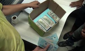 4 dấu vết của nghi phạm cướp hơn 2 tỷ trong ngân hàng