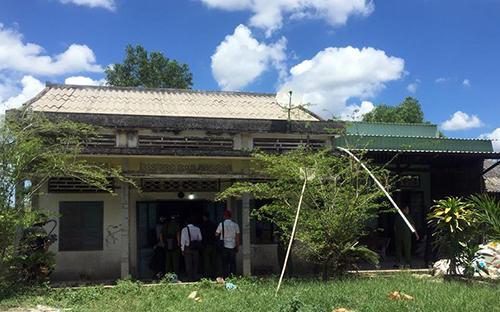 Căn nhà của Lợi, nơi ông ta cố thủ sau khi bắn chết vợ cũ. Ảnh: Phúc Hưng
