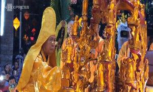 Lễ tắm Phật trang nghiêm tại Huế