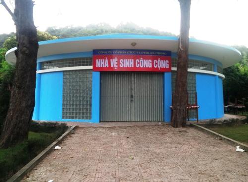 du-khach-khon-kho-vi-2-nha-ve-sinh-cong-cong-o-do-son-khong-phuc-vu-1