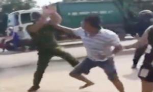 Nhóm thanh niên cầm gạch rượt đánh hai cảnh sát ở Quảng Ninh