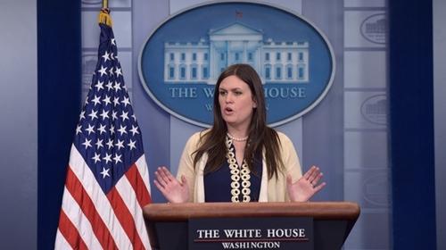 Sarah Huckabee Sanders, phó thư ký báo chí Nhà Trắng, trong cuộc họp báo hôm 10/5. Ảnh: