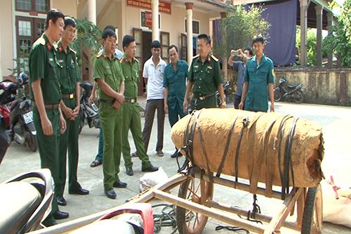 5-nguoi-vuong-lao-ly-vi-cho-bom-300kg-di-ban-luc-nua-dem