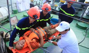 Hải quân Mỹ chia sẻ kinh nghiệm cứu nạn nhân sự cố tràn dầu