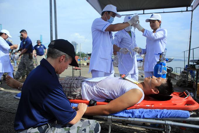 Hải quân Mỹ và Việt Nam diễn tập ứng phó sự cố tràn dầu