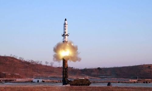 Một vụ phóng thử tên lửa của Triều Tiên. Ảnh: AFP.